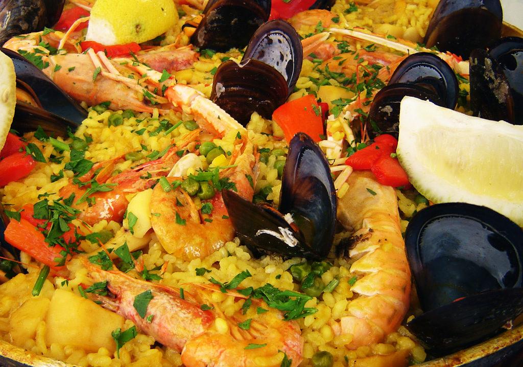 paella avec moules et langoustines