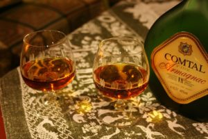 verres avec bouteille Armagnac